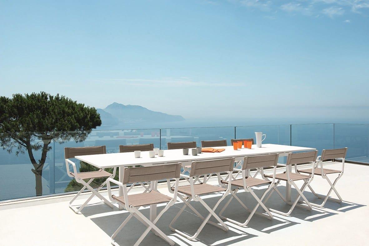 tavolo allungabile da giardino rettangolare in metallo flat by ethimo. Black Bedroom Furniture Sets. Home Design Ideas