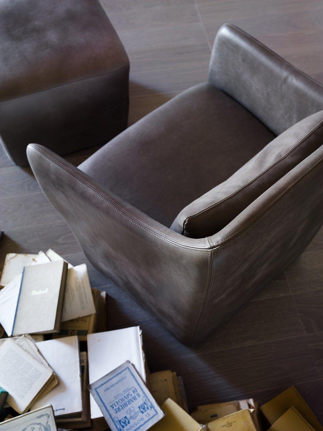 petit fauteuil rembourr en cuir ali lounge by miniforms design philippe tabet. Black Bedroom Furniture Sets. Home Design Ideas