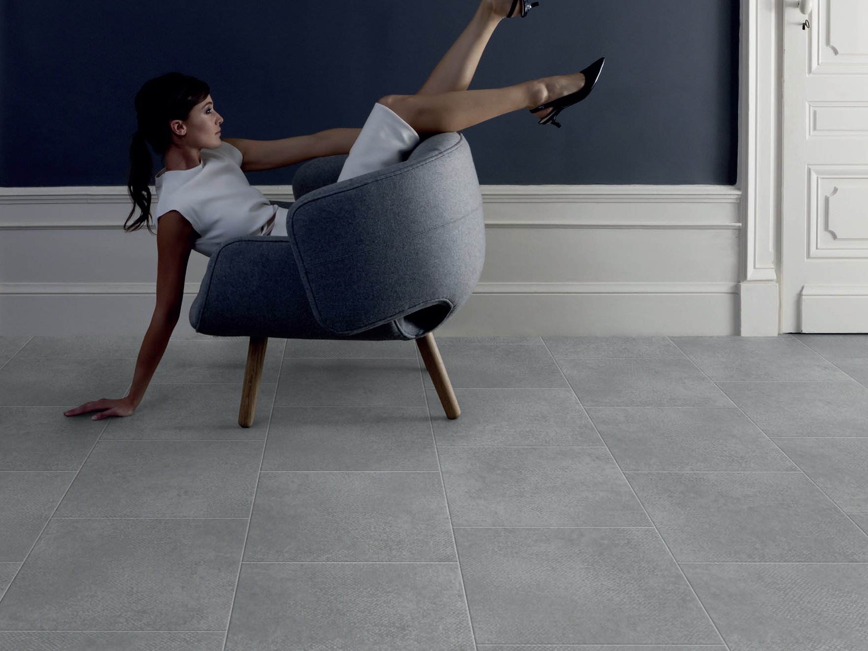 virtuo classic 30 flooring with concrete effect by gerflor. Black Bedroom Furniture Sets. Home Design Ideas