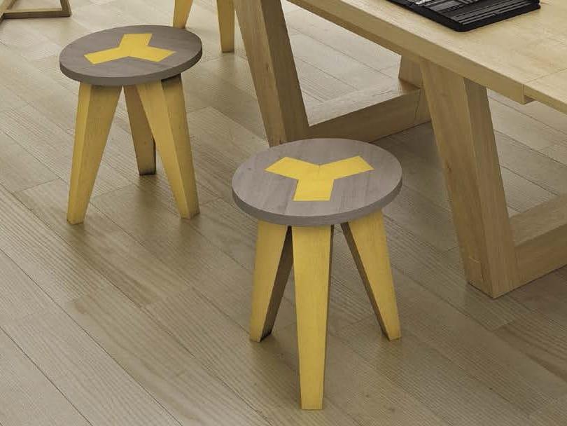 Sgabello tavolino in rovere carej by domus arte design for Tavolino sgabello