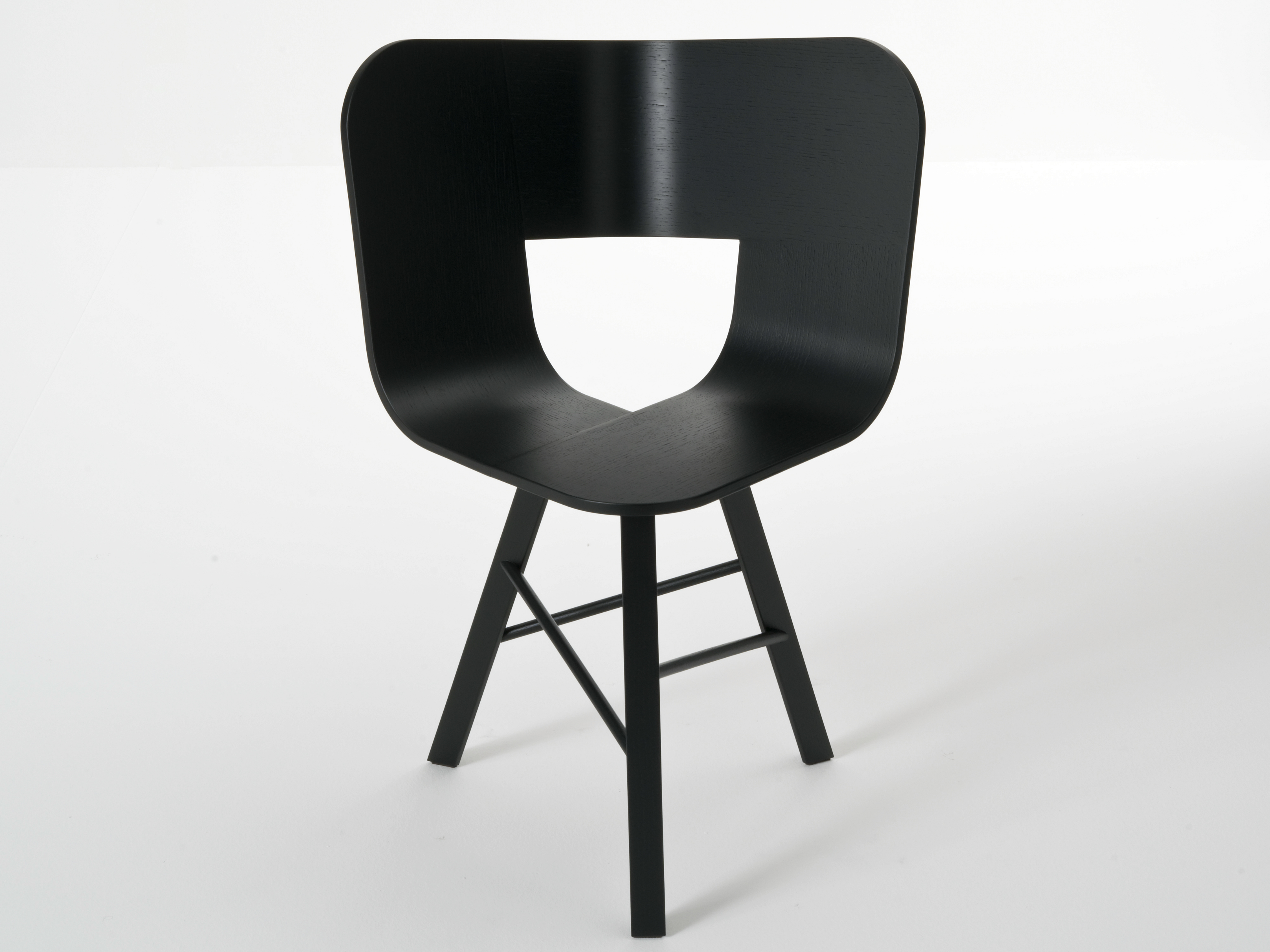 TRIA WOOD | Chair By Colé Italia design Lorenz+Kaz - TS32 - Black open pore, legs painted black
