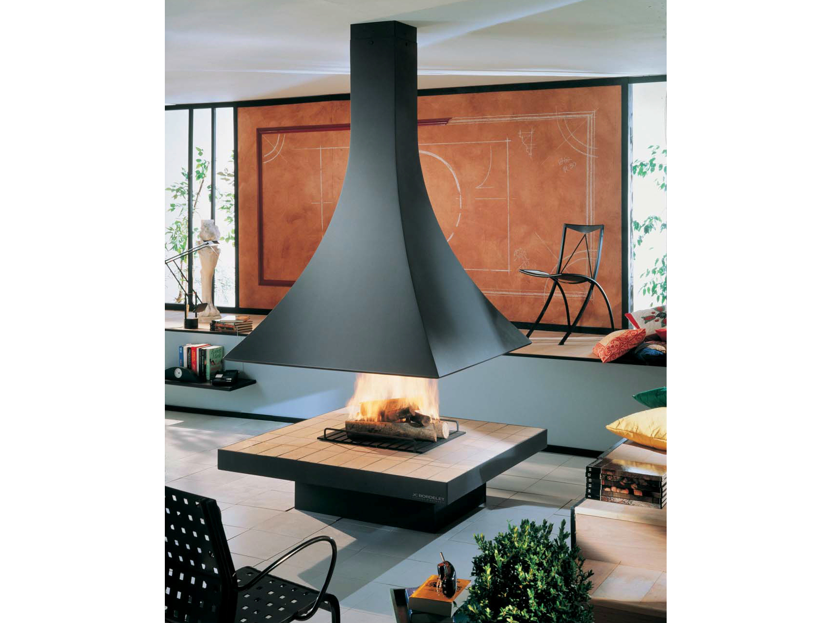Julietta 985 central fireplace by jc bordelet industries for Central fireplace