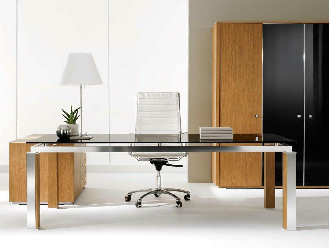 Electa scrivania in cristallo by ift design nikolas chachamis for Scrivania direzionale prezzi