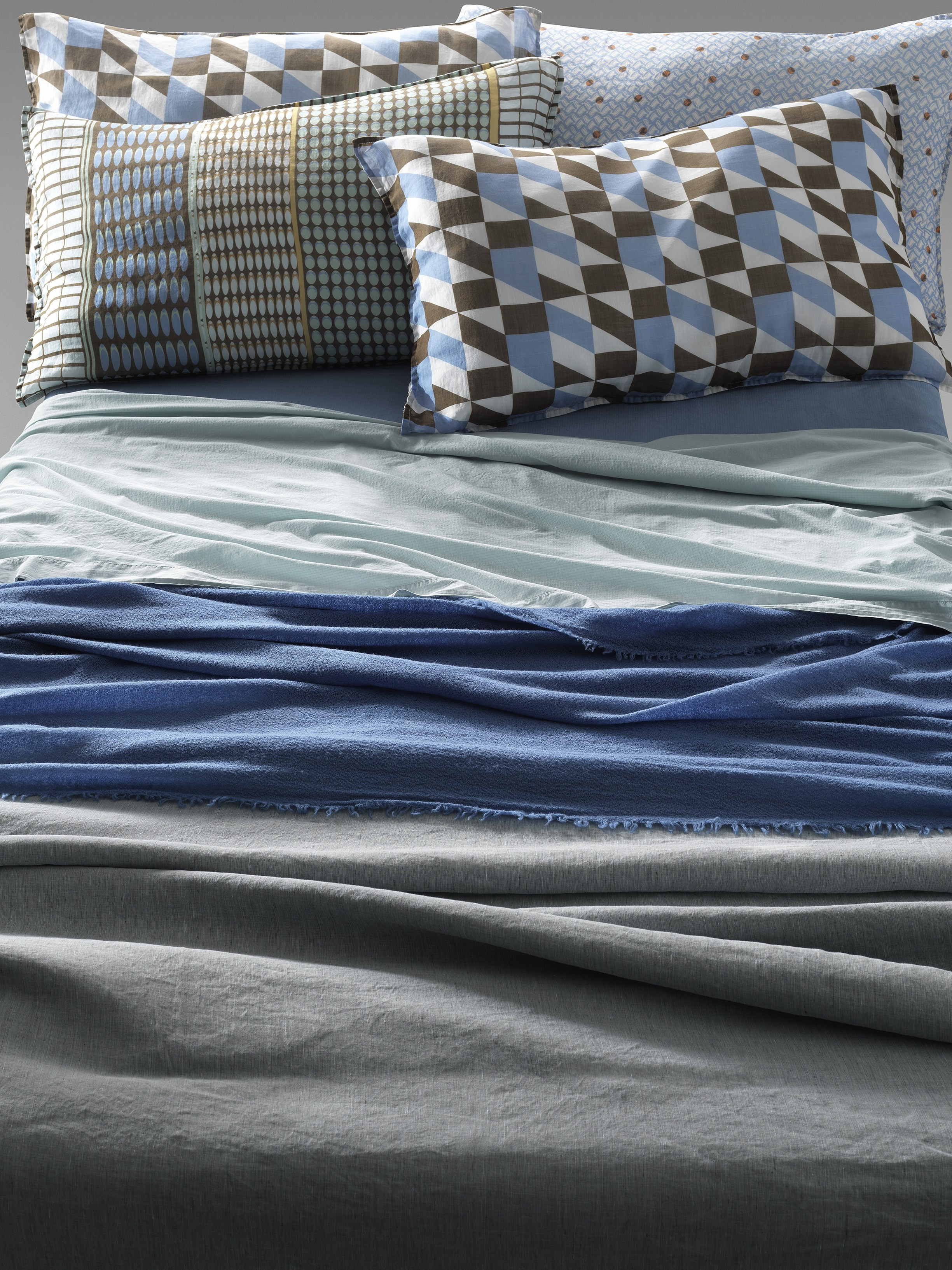 taie d 39 oreiller imprim e en tissu nap jo by society limonta. Black Bedroom Furniture Sets. Home Design Ideas