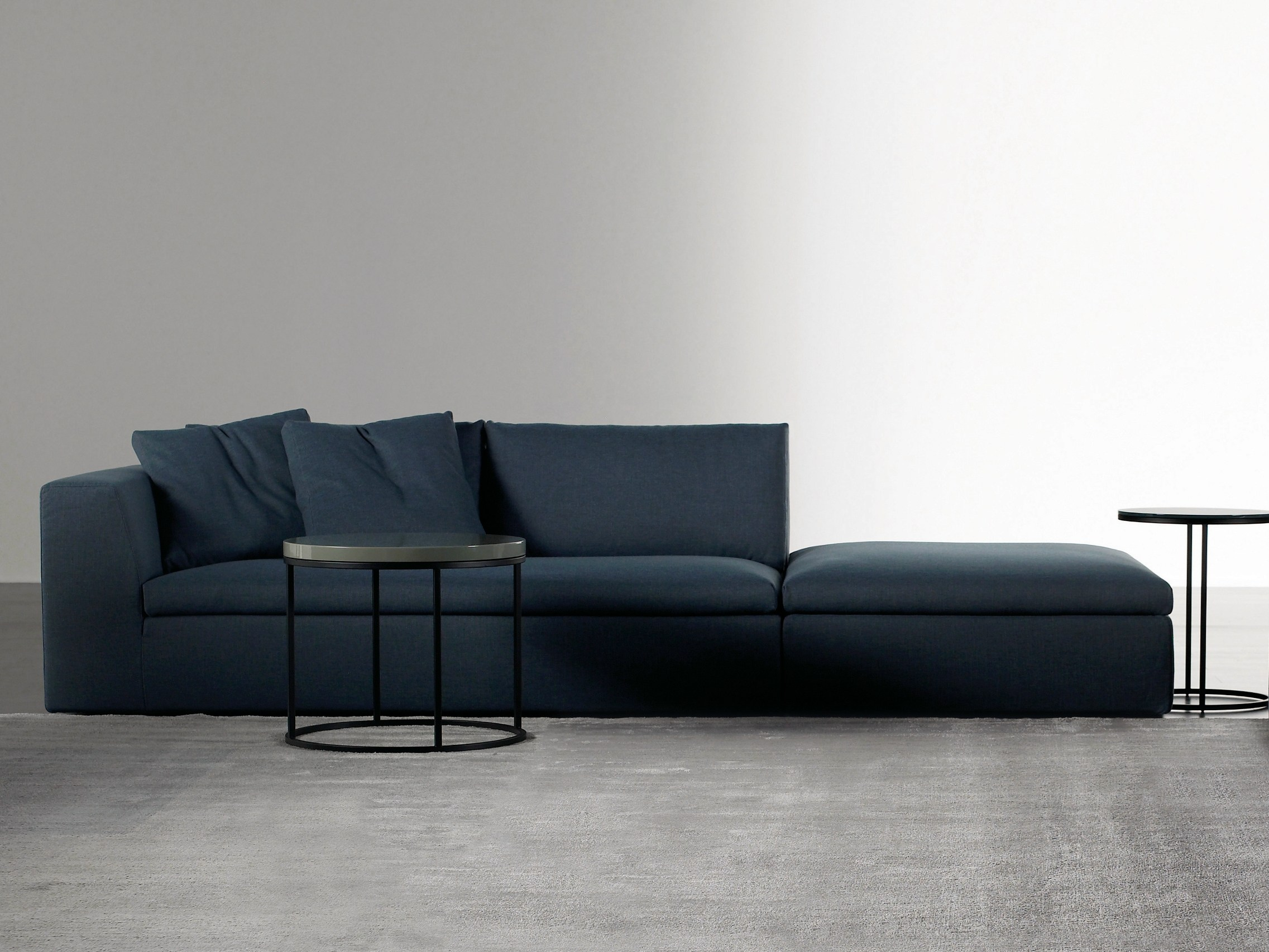 lewis 2 0 sectional sofa by meridiani. Black Bedroom Furniture Sets. Home Design Ideas