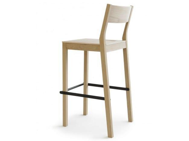Chaise de bar en bois avec repose pieds skandinavia kvbt6 for Chaise longue en bois avec repose pied