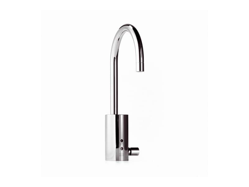 electronic washbasin tap emote collection by dornbracht. Black Bedroom Furniture Sets. Home Design Ideas