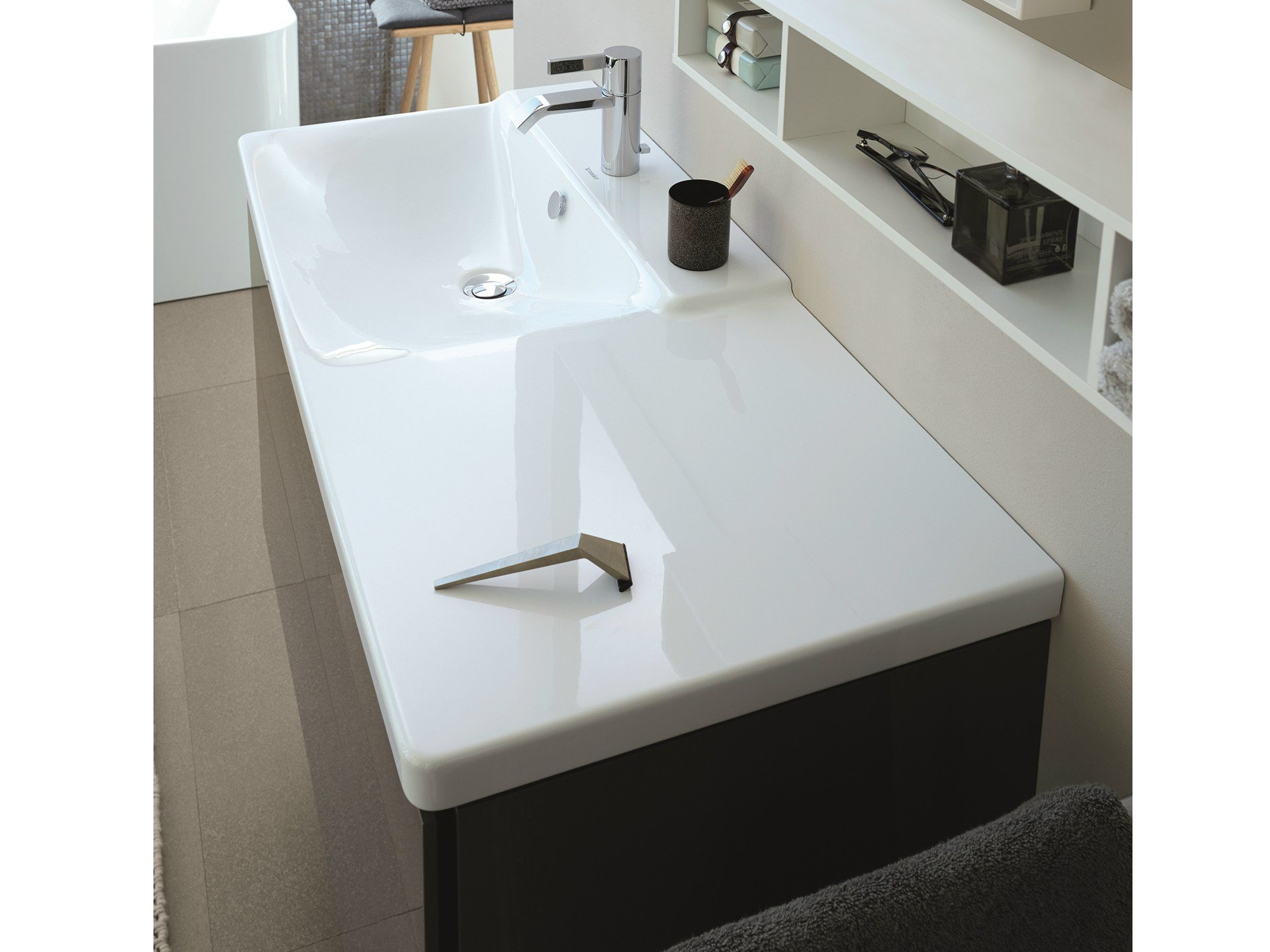 p3 comforts washbasin with integrated countertop by. Black Bedroom Furniture Sets. Home Design Ideas