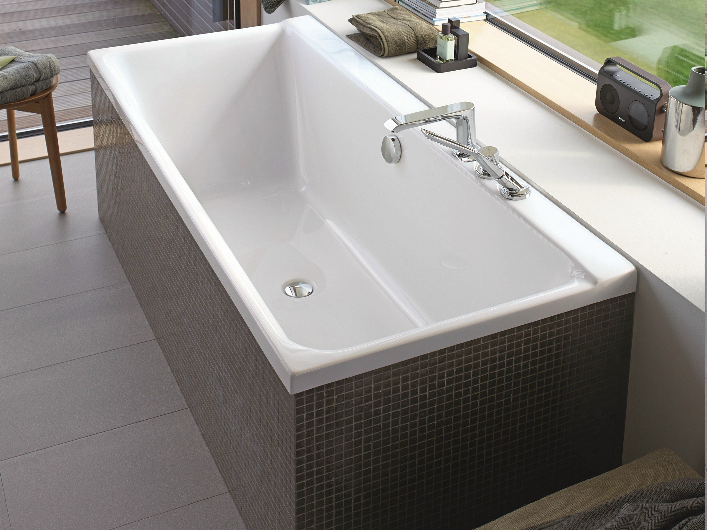 p3 comforts bathtub by duravit italia design phoenix design. Black Bedroom Furniture Sets. Home Design Ideas