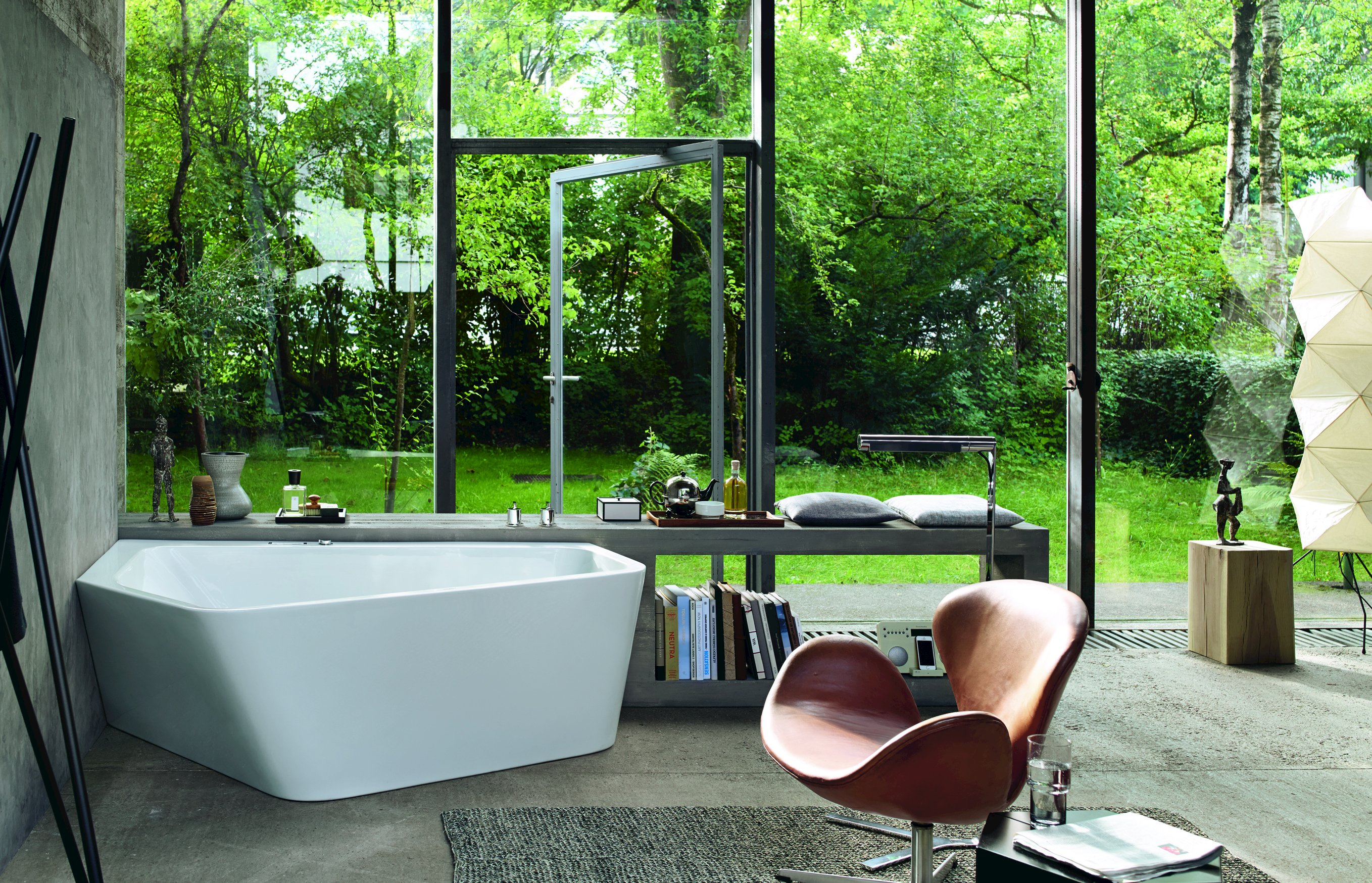 paiova 5 badewanne by duravit design eoos. Black Bedroom Furniture Sets. Home Design Ideas