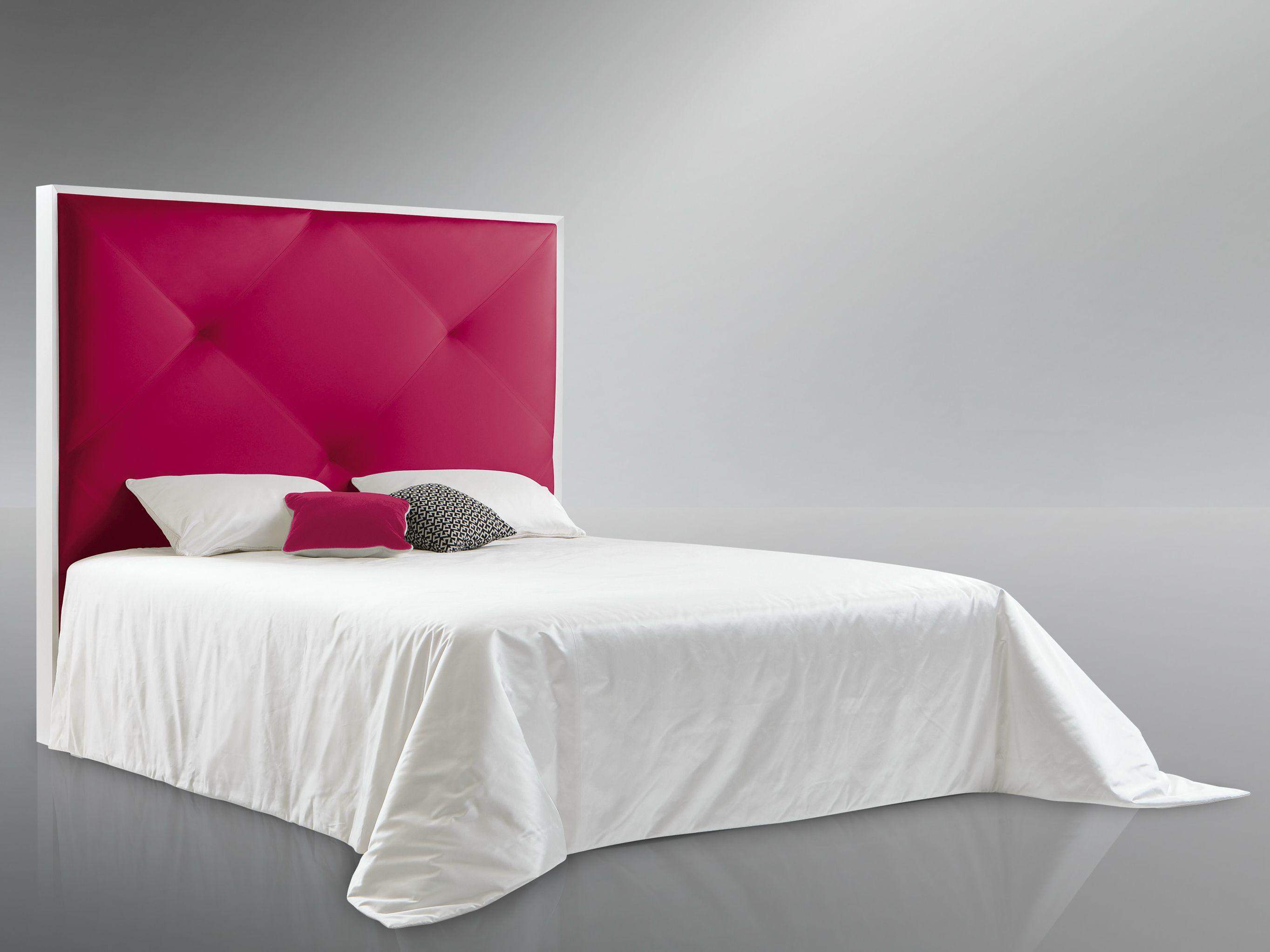Tête de lit haute pour lit double ADELE by Treca Interiors