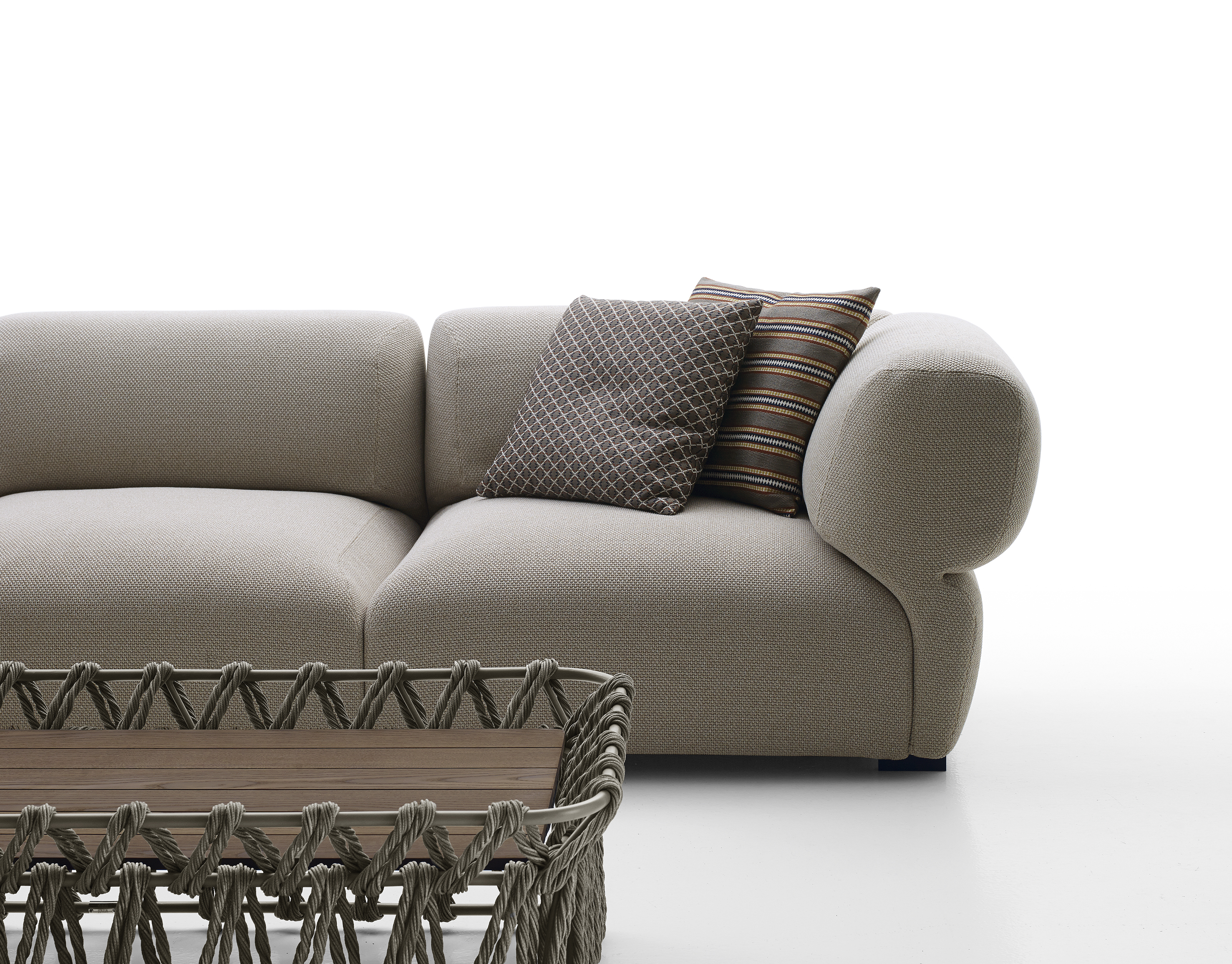 Butterfly sofa by b b italia outdoor a brand of b b for B b italia outdoor
