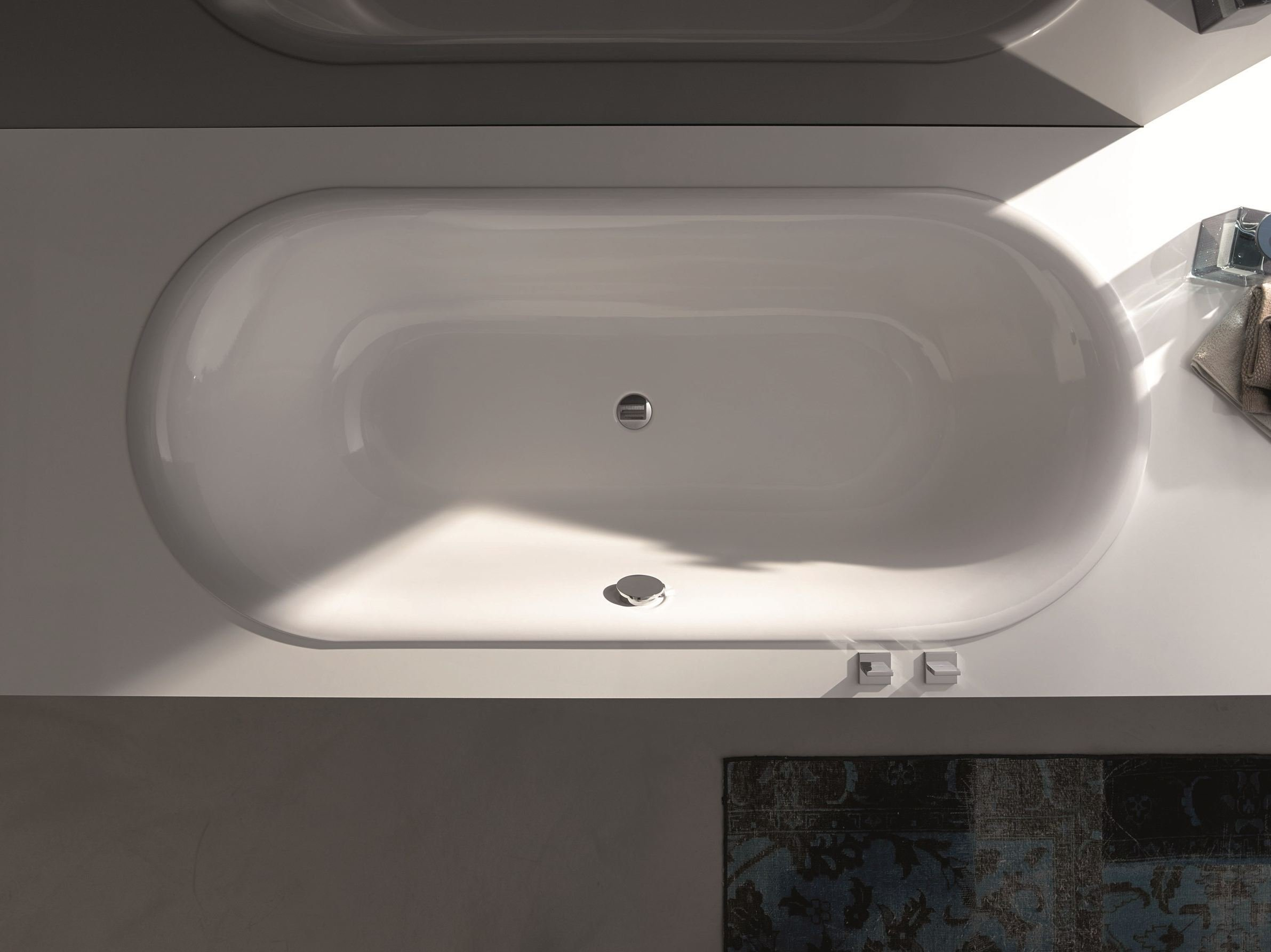 Baignoire ovale encastrable bettelux oval by bette design for Baignoire non encastrable