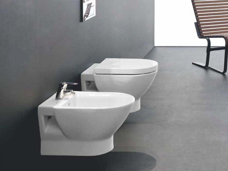 Tipo bidet sospeso by roca sanitario design antonio bullo for Roc ceramica