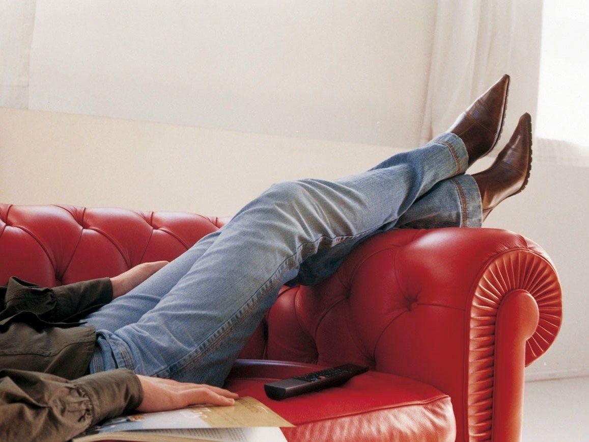 Chester one divano by poltrona frau design renzo frau - Divano chester frau prezzo ...