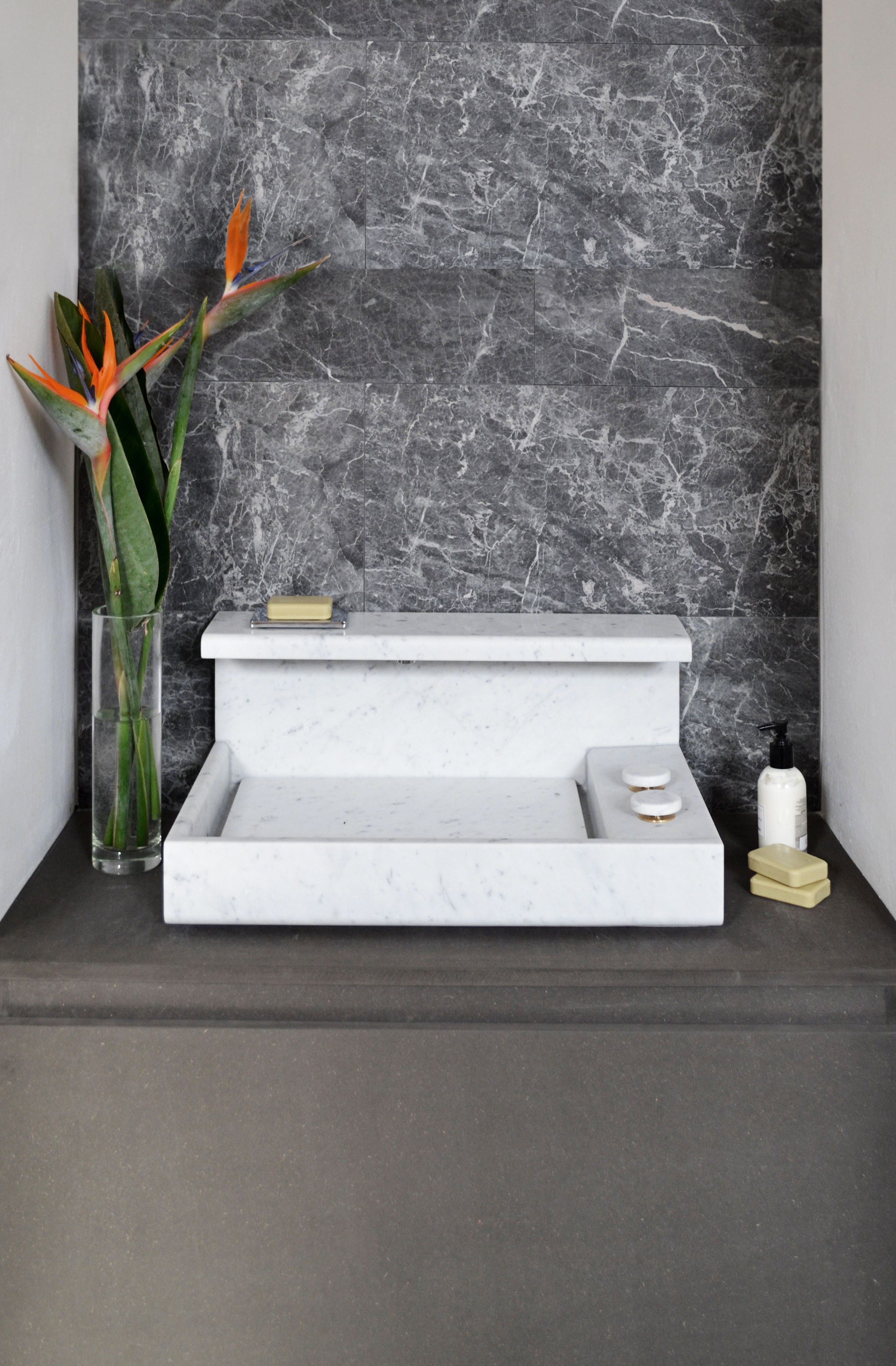 jp lavabo en marbre de carrara by mg12 design monica. Black Bedroom Furniture Sets. Home Design Ideas