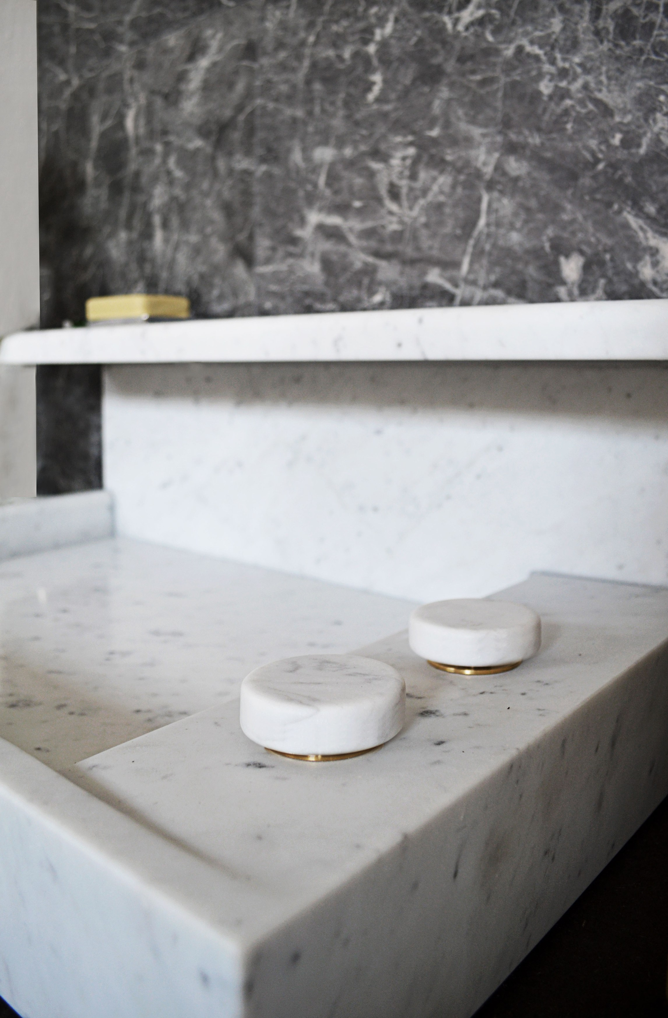 jp lavabo en marbre de carrara by mg12 design monica freitas geronimi. Black Bedroom Furniture Sets. Home Design Ideas