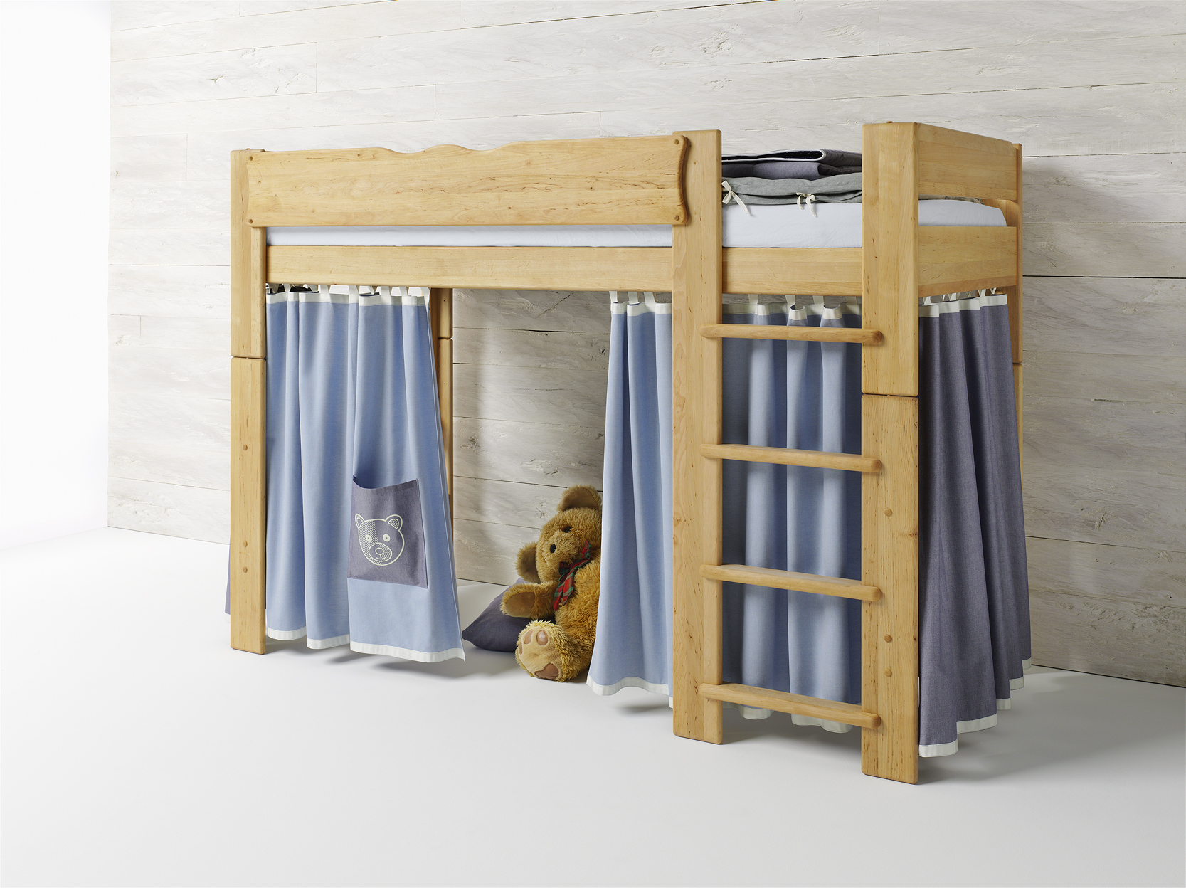 hochbett aus erle f r kinderzimmer b r by team 7 nat rlich wohnen. Black Bedroom Furniture Sets. Home Design Ideas
