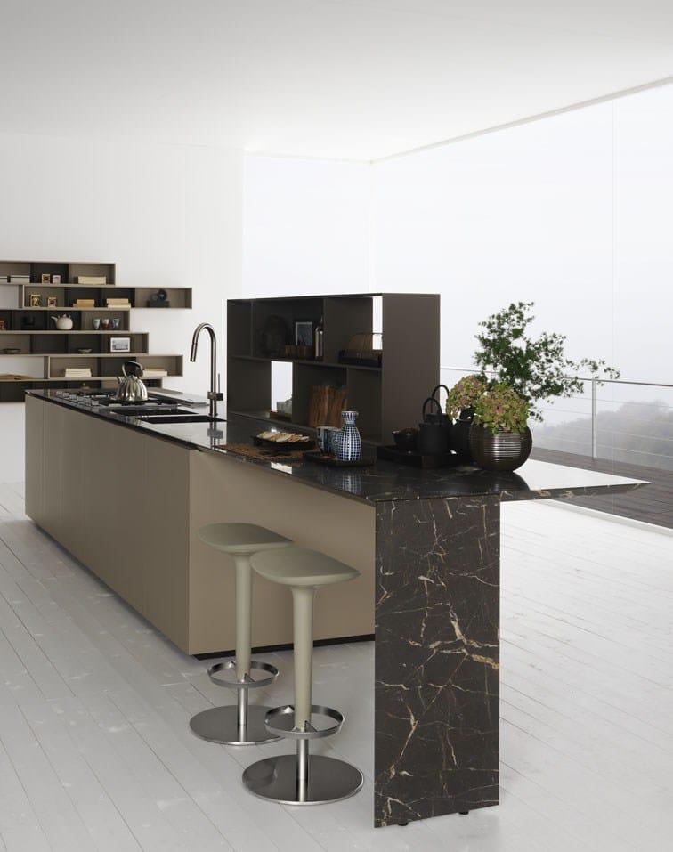 Cucina in rovere con isola y composizione 03 by zampieri - Cucine zampieri prezzi ...