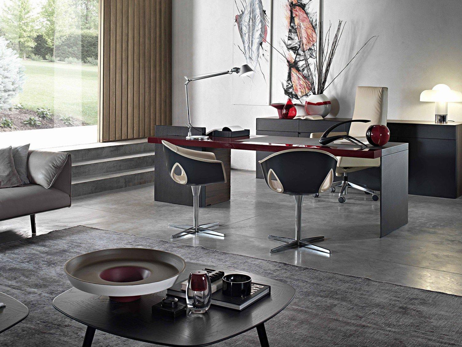 Executive desk h o desk lac by poltrona frau design for Poltronafrau
