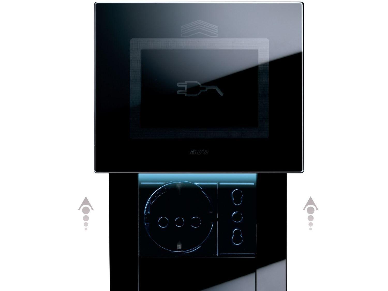 Presa elettrica in vetro life touch collezione placche e for Prese a scomparsa