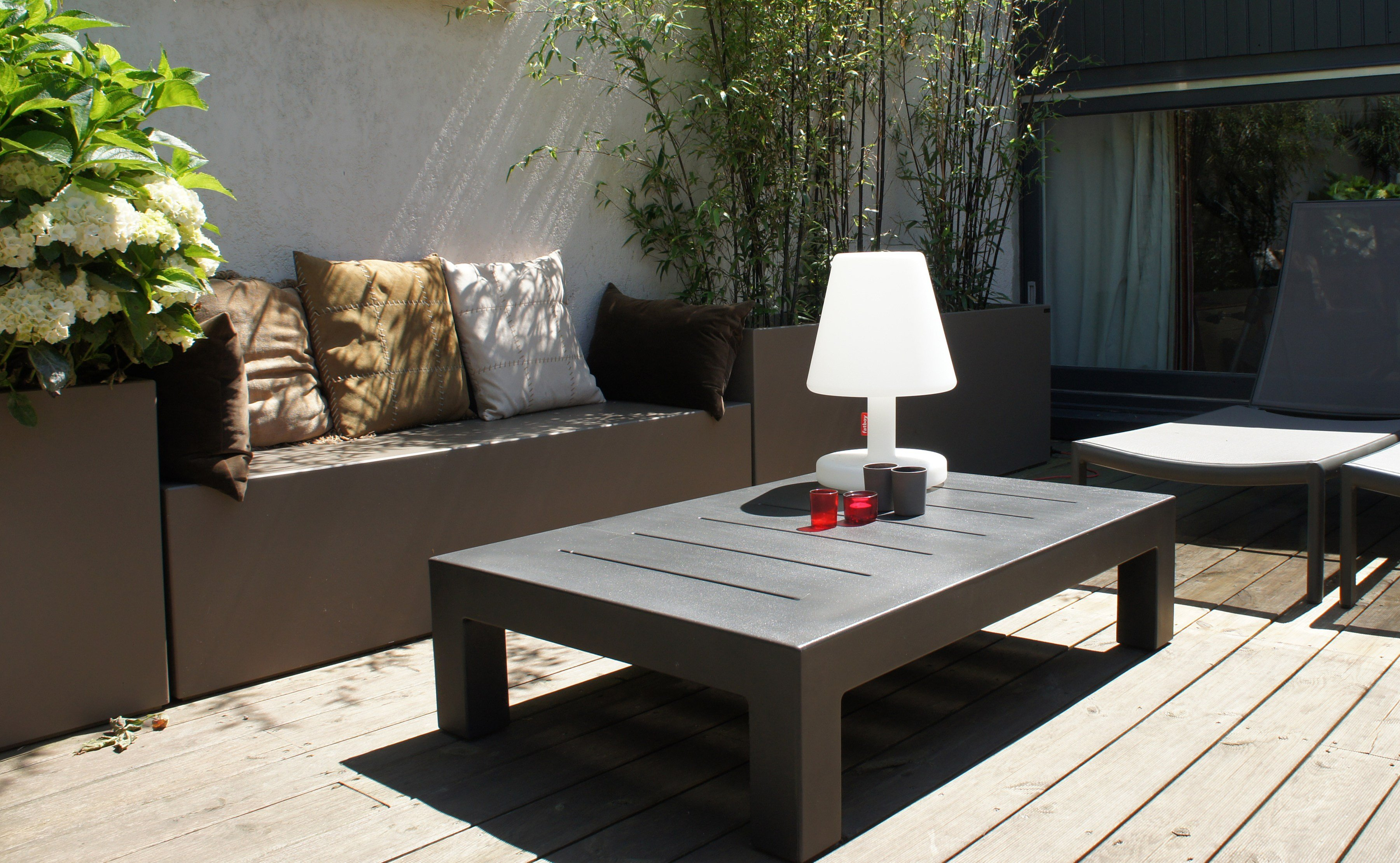 Banc de jardin avec jardini re int gr e by image 39 in by - Banc de jardin en ciment ...