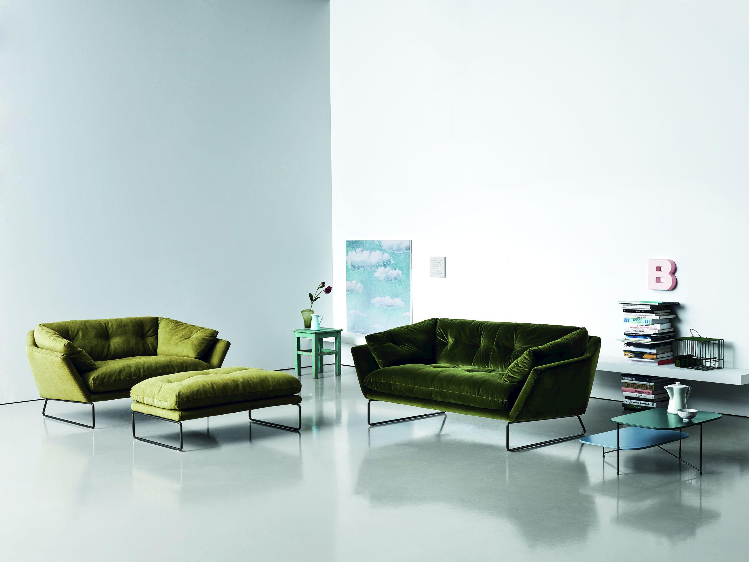 new york suite pouf by saba italia design sergio bicego. Black Bedroom Furniture Sets. Home Design Ideas