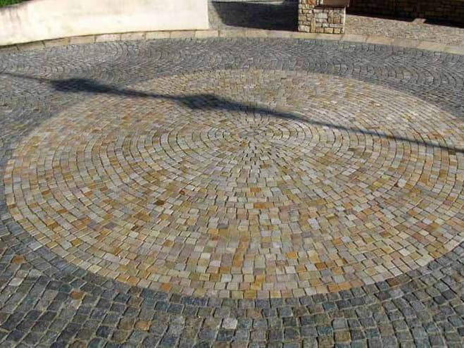 Pavimento per esterni in pietra naturale pietra di luserna by pavesmac - Pietra di luserna per esterni ...