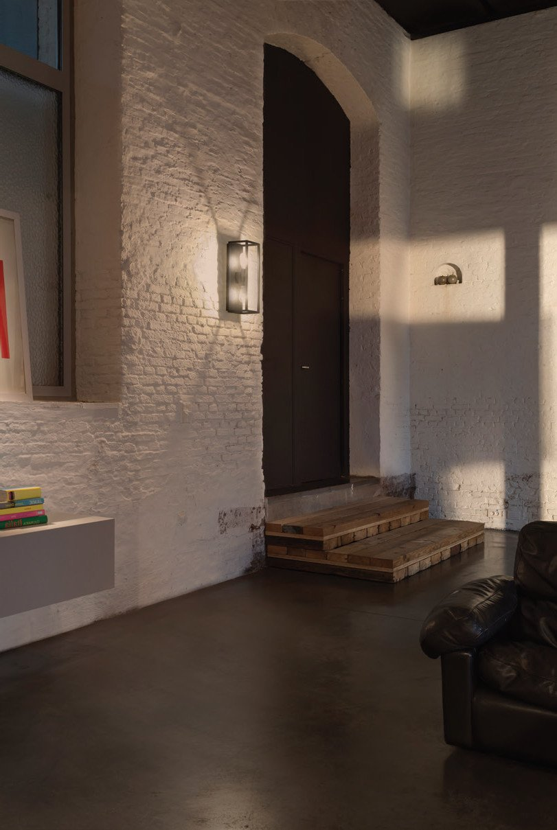 Montur L O E27 Wall Light By Delta Light