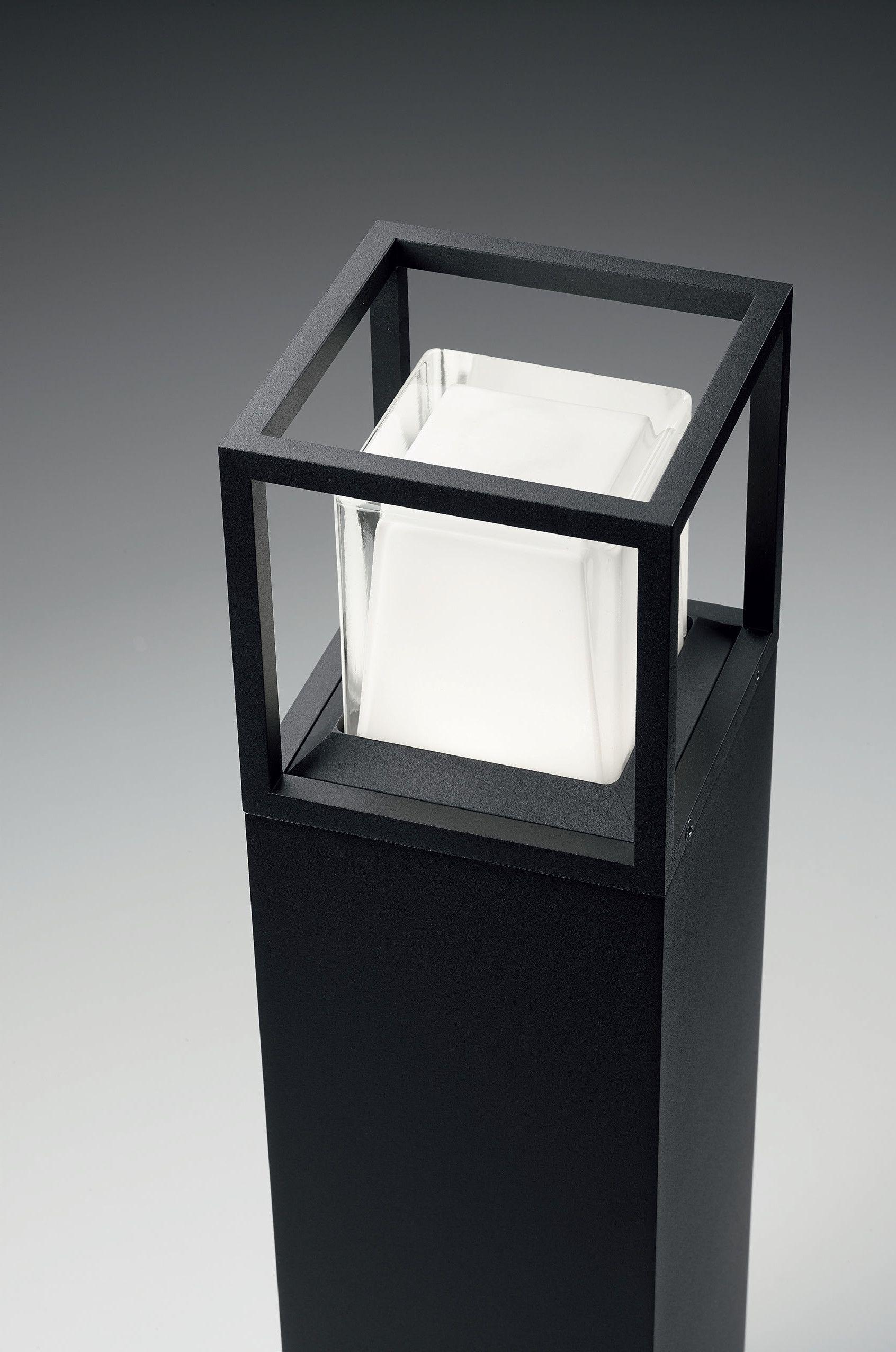 Delta 3 Light Bathroom Vanity Light: MONTUR M P 70 LED Bollard Light By Delta Light