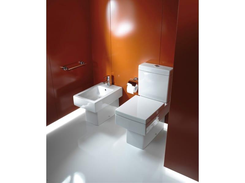monoblock wc aus keramik kollektion vero by duravit italia. Black Bedroom Furniture Sets. Home Design Ideas