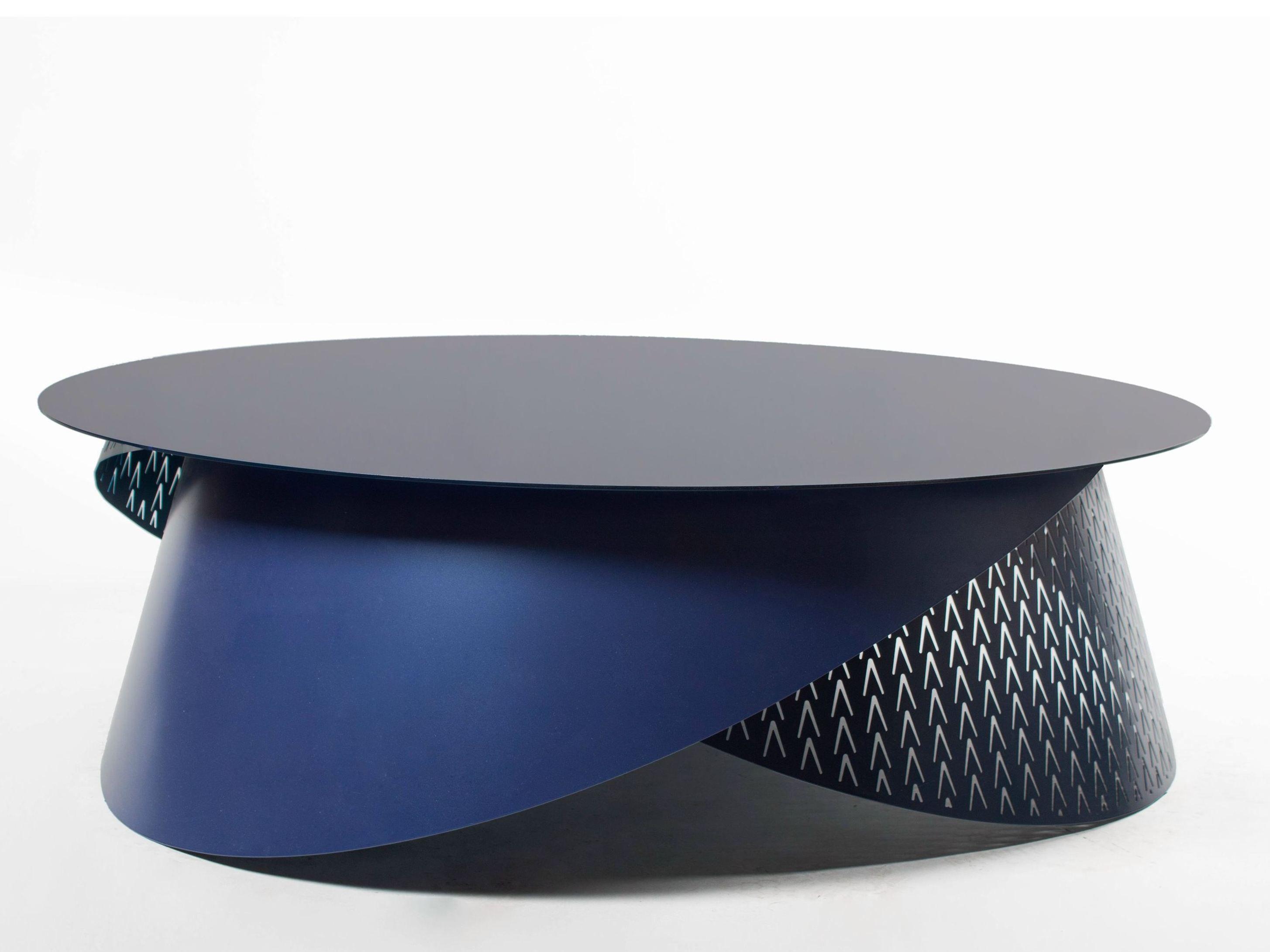 table basse laqu e en acier de salon physalie by roche bobois design jo lle rigal. Black Bedroom Furniture Sets. Home Design Ideas