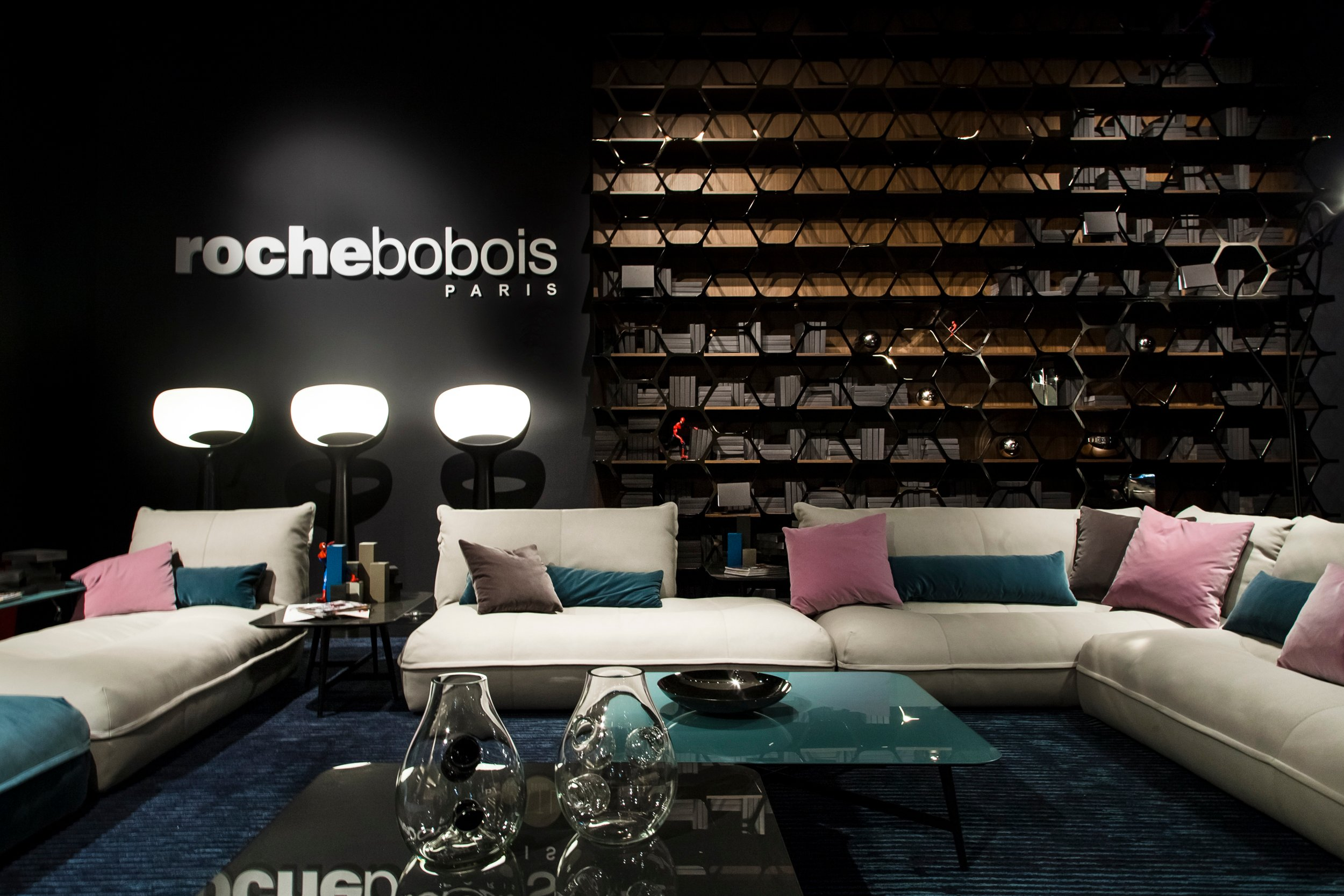 canap modulable en cuir tann e octet by roche bobois. Black Bedroom Furniture Sets. Home Design Ideas
