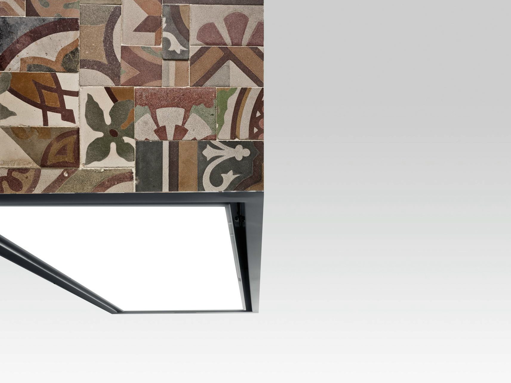 Cappa rivestita con pannelli in cotto TILE by Boffi design Piero ...