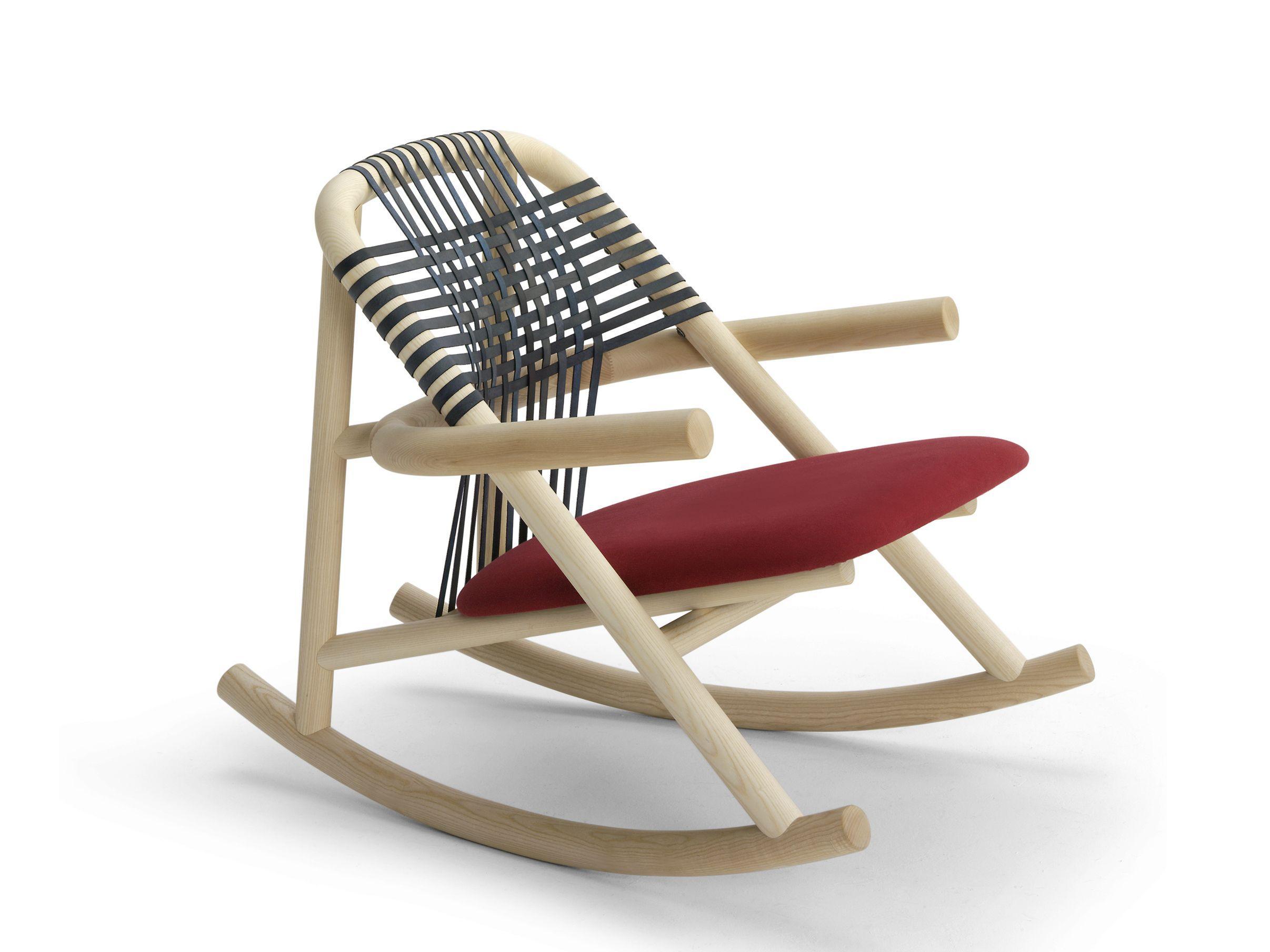 Cadeira de madeira de balanço com braços UNAM Cadeira de balanço  #7C3033 2413x1810