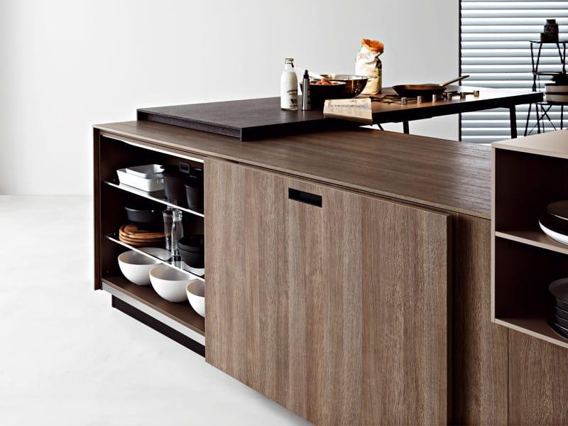 cucina in laminato con isola kora 04 by cesar arredamenti design gian vittorio plazzogna. Black Bedroom Furniture Sets. Home Design Ideas