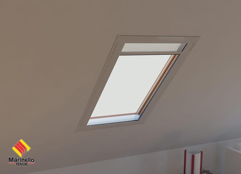 Store pour fen tres de toit enrouleur como by marinello for Zip pour fenetre