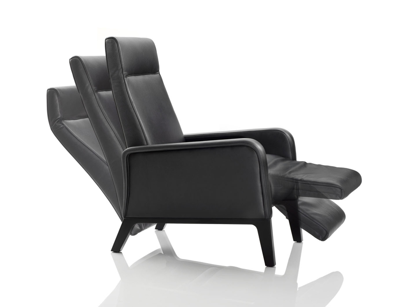 Fauteuil inclinable stuart by wittmann design soda des gners - Fauteuil relax inclinable ...