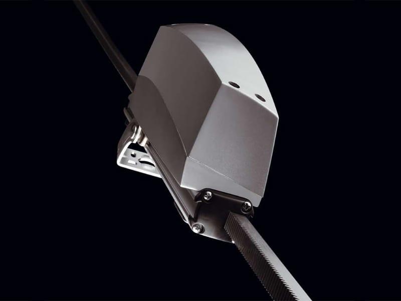 T80 automazione per lucernari by topp for Prezzi lucernari elettrici