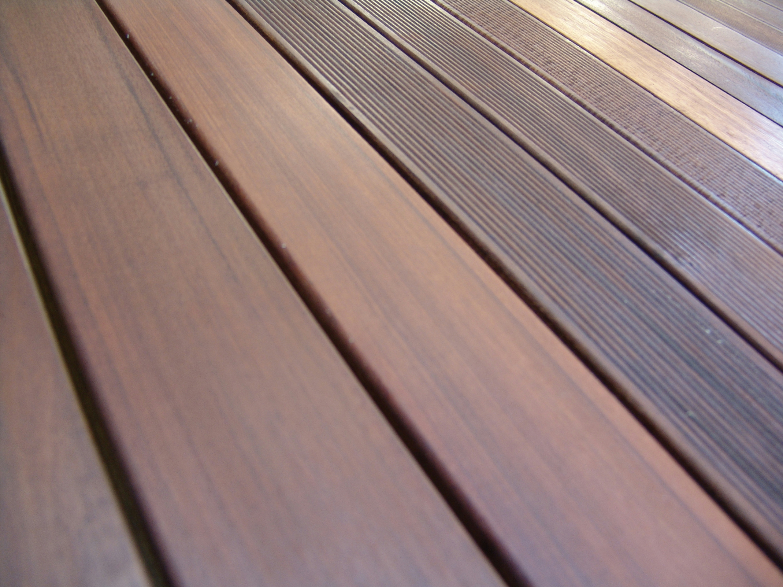 Decking in wood pvc and concrete ipe 39 by ravaioli legnami for Vinyl decking material