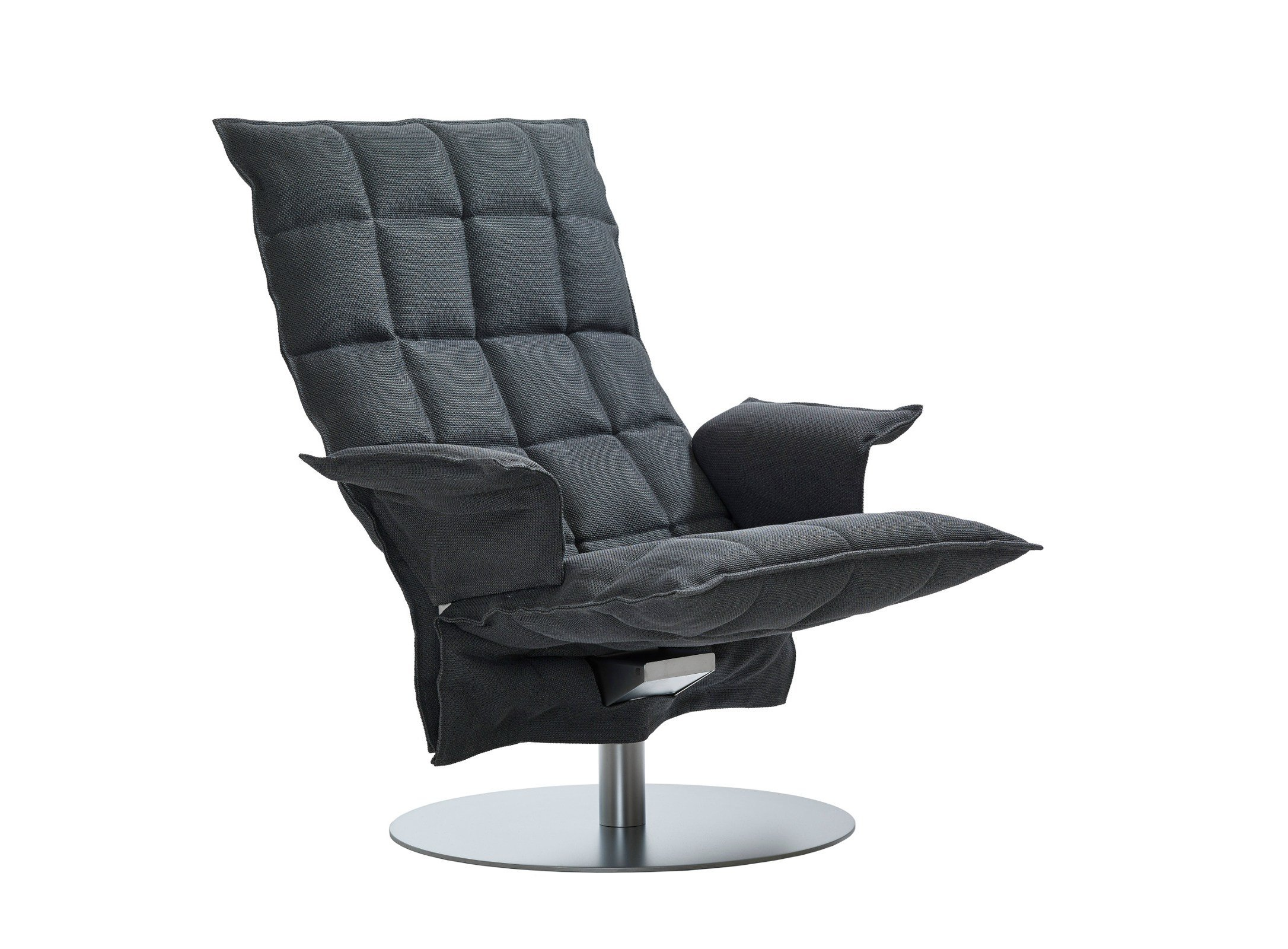 fauteuil pivotant en tissu swivel k chair by woodnotes. Black Bedroom Furniture Sets. Home Design Ideas