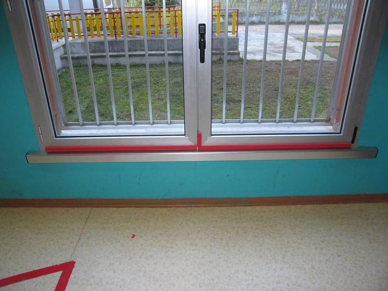 Paraspigoli per finestre profilo angolare in eva non - Protezione per finestre ...
