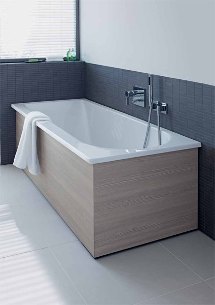 darling new built in bathtub by duravit italia design. Black Bedroom Furniture Sets. Home Design Ideas