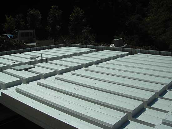 Isolante cofragem de lajes de concreto armado termosolaio for Armado de jardines