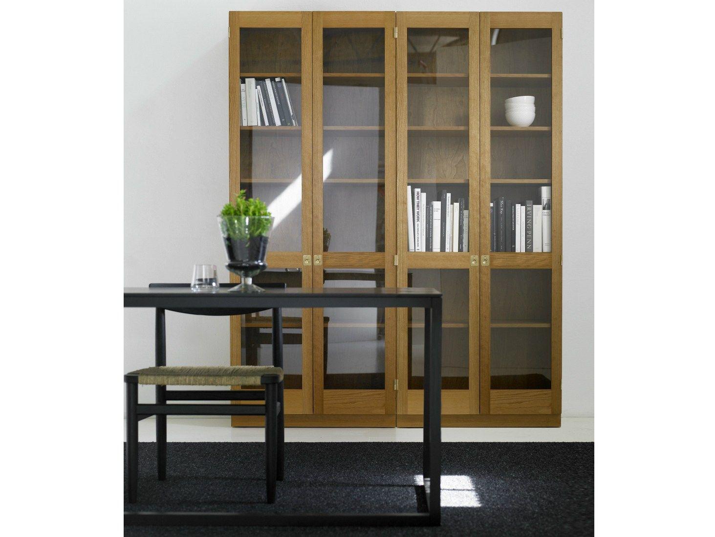 Ka72 vetrina in legno by karl andersson s ner design for Vetrina stile moderno
