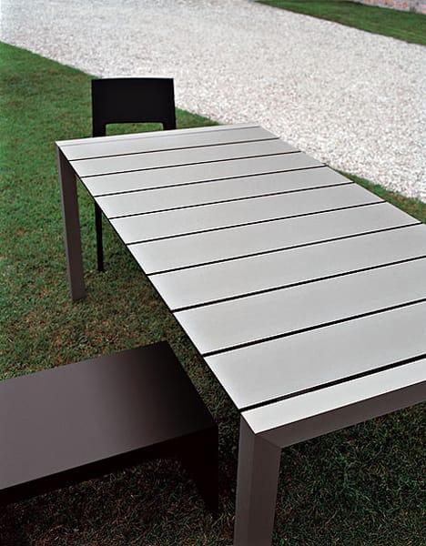 Tavolo da giardino sushi outdoor by kristalia design for Outdoor giardino