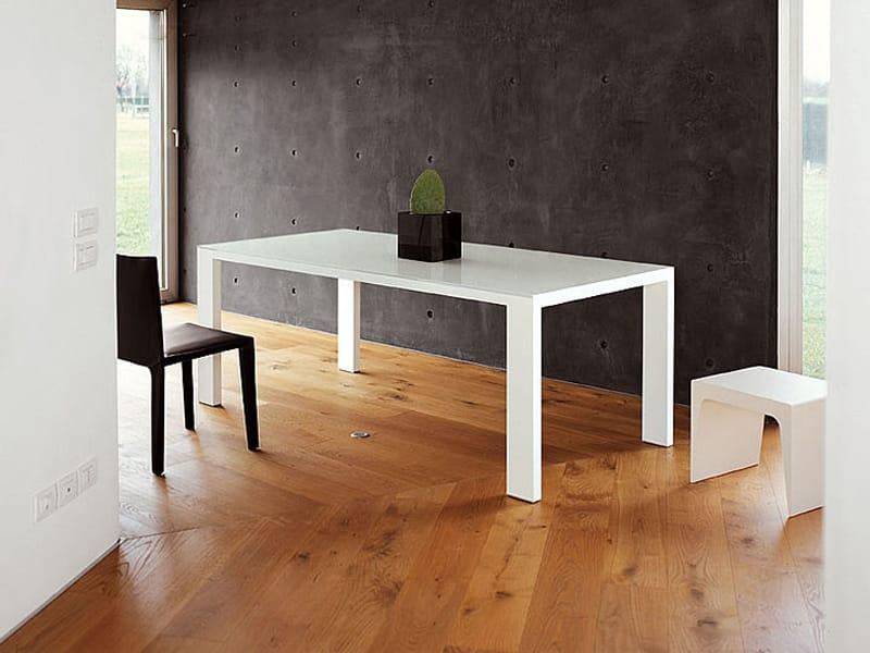 ausziehbarer tisch fifty by kristalia design ruggero. Black Bedroom Furniture Sets. Home Design Ideas