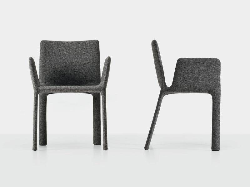 Chaise rembourr e en tissu avec accoudoirs joko by - Chaise tissu design ...