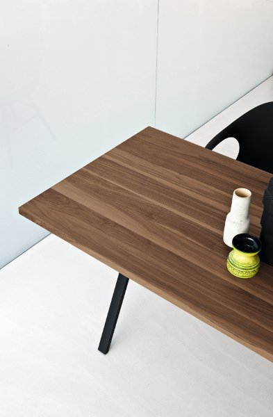 Neat table by kristalia design christophe pillet for Table kristalia