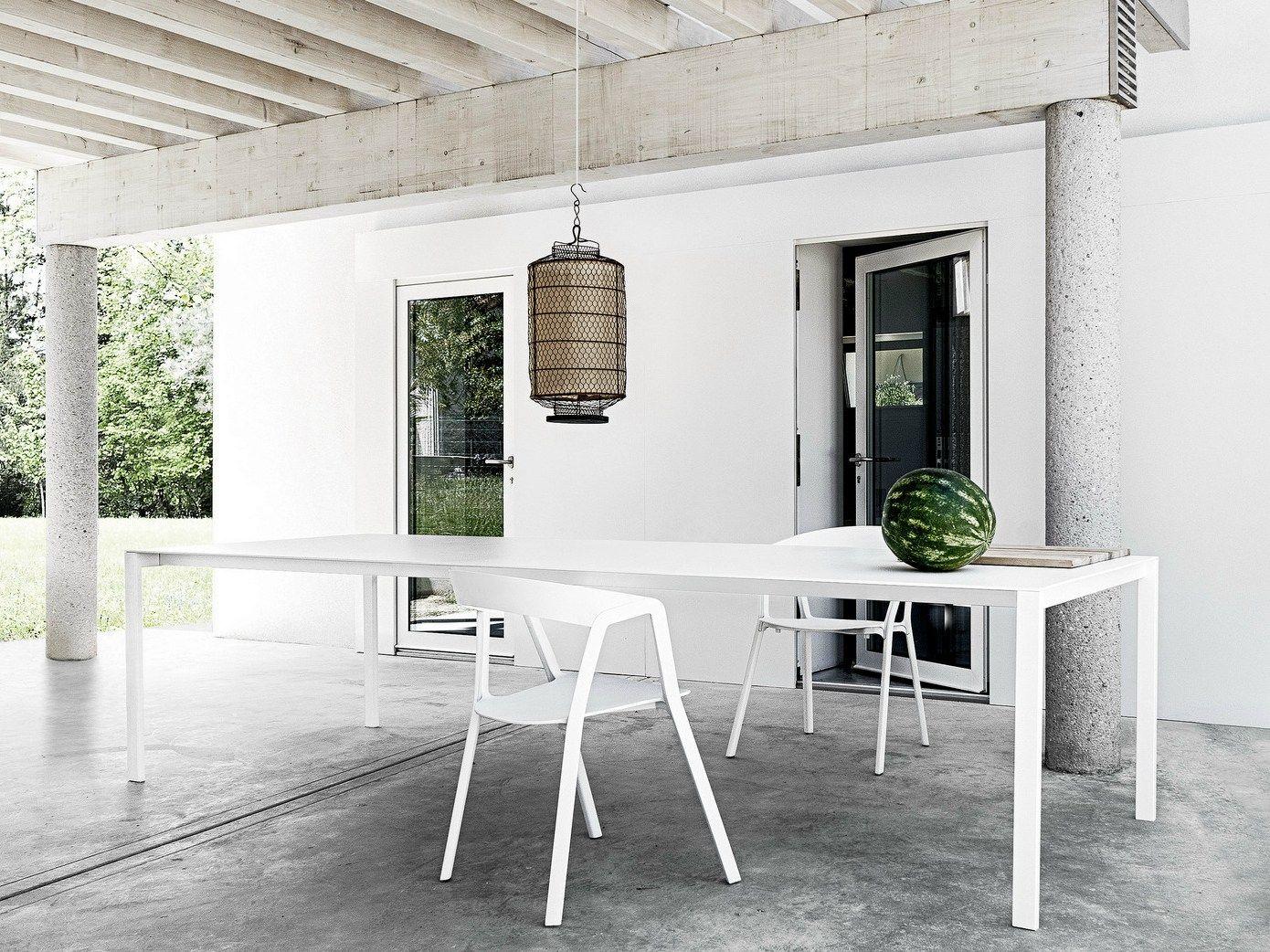 ausziehbarer tisch thin k by kristalia design luciano. Black Bedroom Furniture Sets. Home Design Ideas
